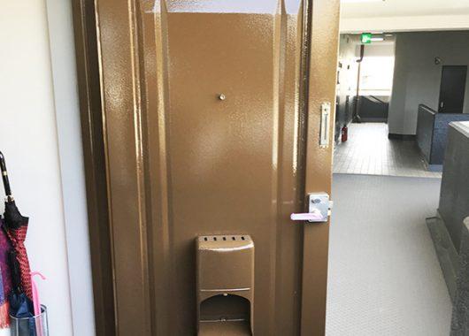 【実績紹介】マンションでよくある、玄関扉塗装工事